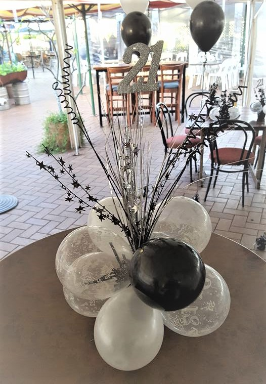 Centrepiece, balloon, table
