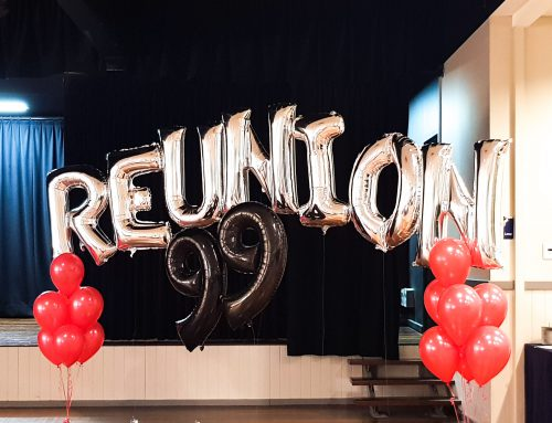 School reunion balloons