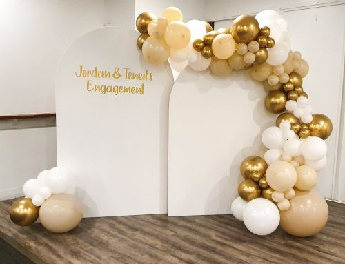 2 White Arches Personalised with Balloon Garland $495